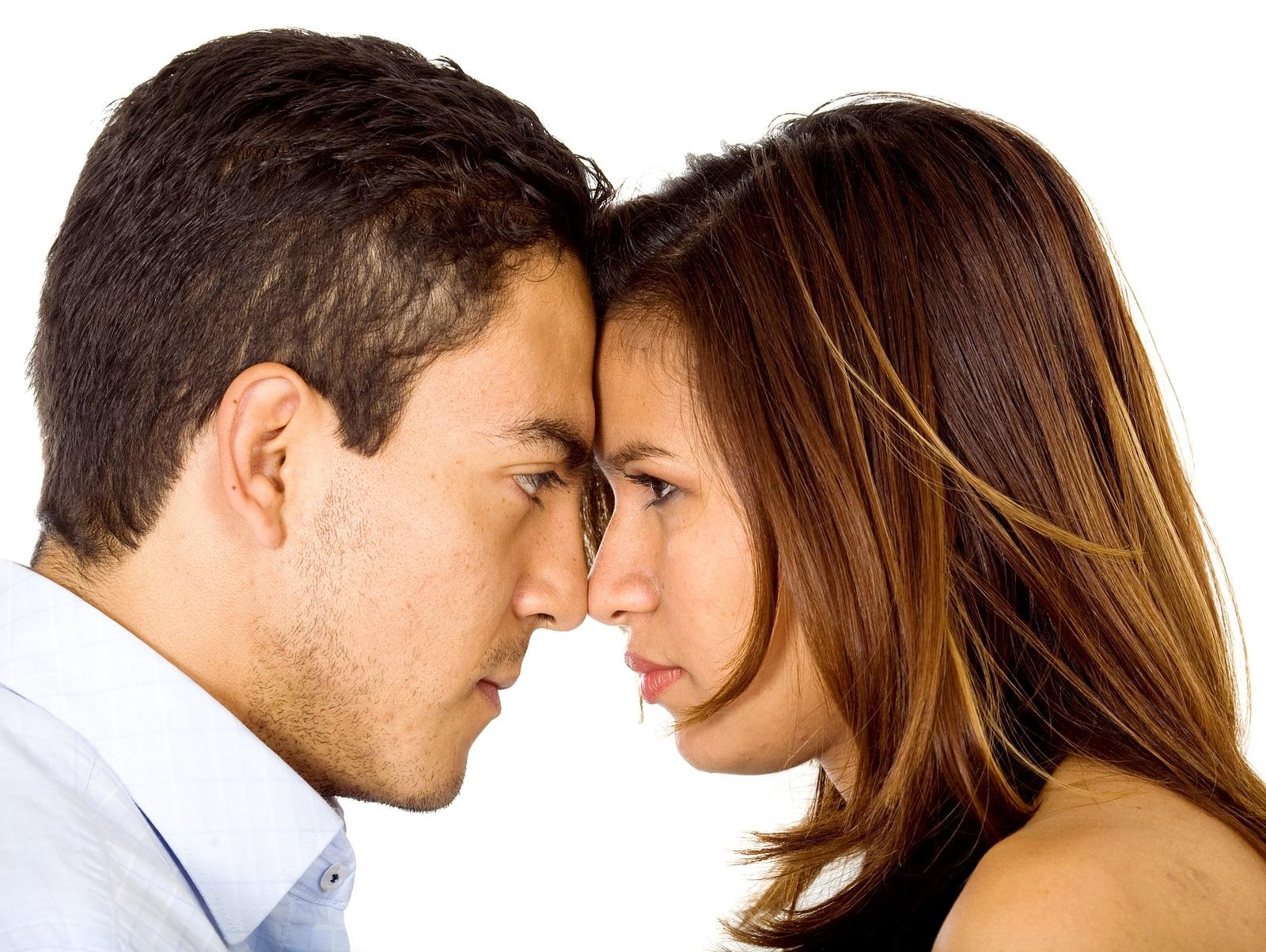 Zodyak Uyumluluğu: Erkek-İkizler, Oğlak Kadın